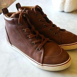 Vegan Leather Sneakers Cat & Jack